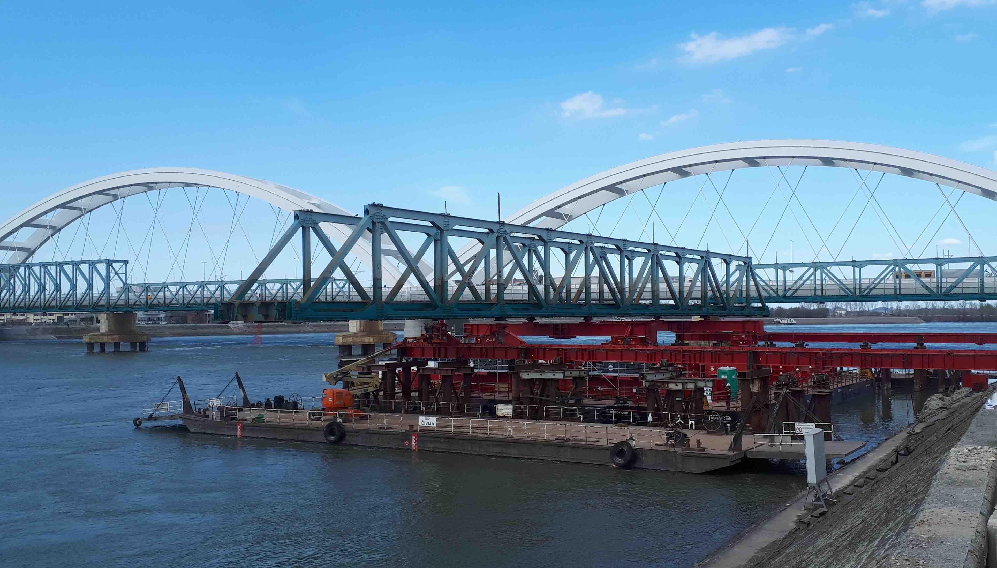 ALE used its Mega Jack 800 to remove a bridge over the Danube River.