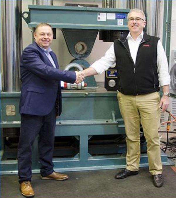 Straightpoint's David Ayling (left) and Crosby's Robert Desel at the Straightpoint facility in Hampshire, UK.