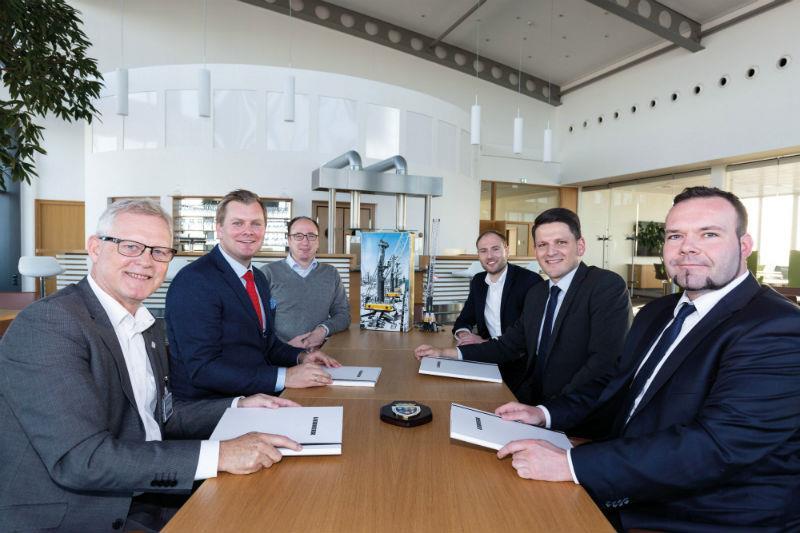 From left to right: Leiv Sverre Leknes (CCO Karmsund Havn IKS), Tore Gautesen (CEO Karmsund Havn IKS), Aron Boysen (Sales Manager),  Torsten Schapfl (Sales Manager), Andreas Müller (Sales Director), Andreas Ritschel (Area Sales Manager)