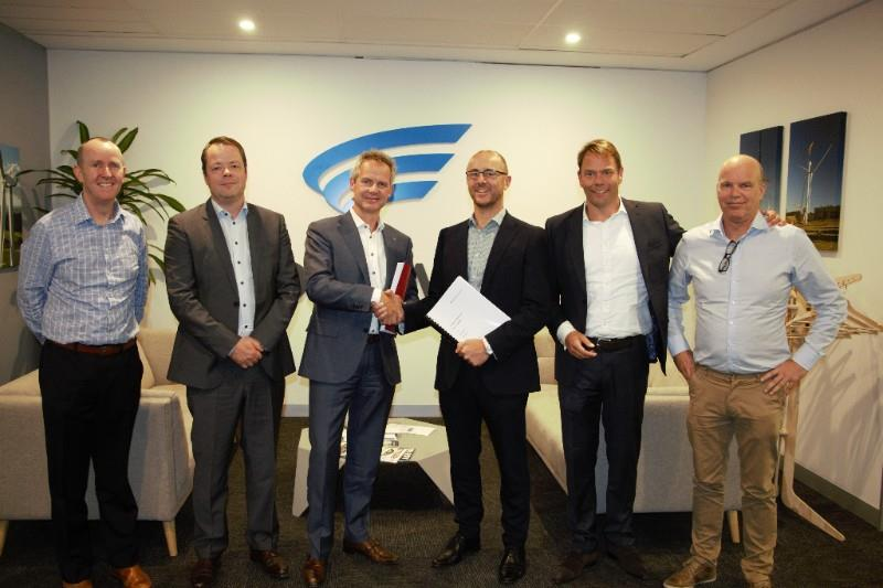 Pictured from the left: Patrick Whelan- Goldwind, Martijn Roelants- Mammoet, Jan Kleijn- Mammoet, John Gardner -Goldwind, John Halfweeg, Mammoet, Vincent Vingerhoeds- Mammoet